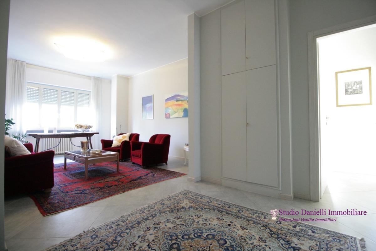 Appartamento vendita CARATE BRIANZA (MI) - 3 LOCALI - 124 MQ